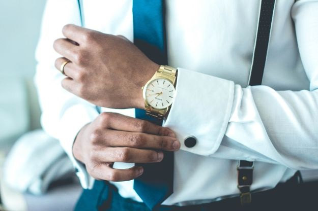 How to dress a watch with your outfit