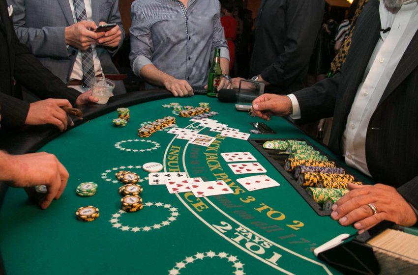 Regarding Online Casino Betting – Texas Hold'em, Blackjack, Roulette, Slots & Craps