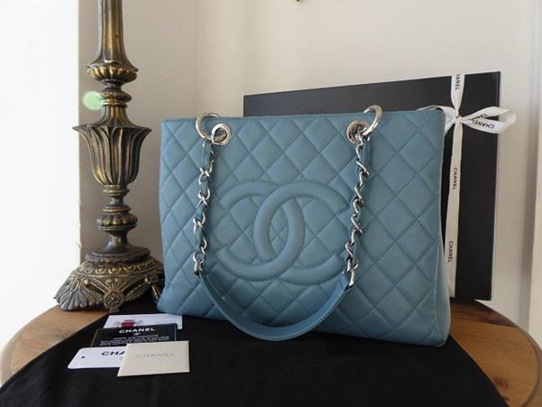 Chanel replicas that look real: Get the best fake designer handbag