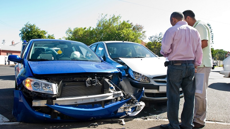What are the changes one can make while renewing car insurance policy?