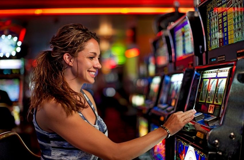 The Top advantages Of Playing Online Slots