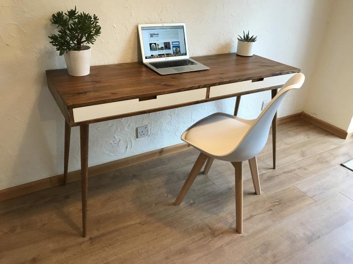 How To Choose Hardwood Home Furniture