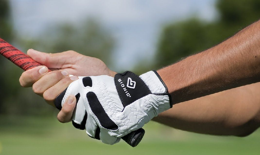 How to Save Money on Buying Golf Gloves Online